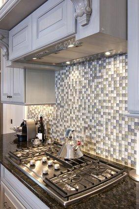 gray and white glass tile backsplash